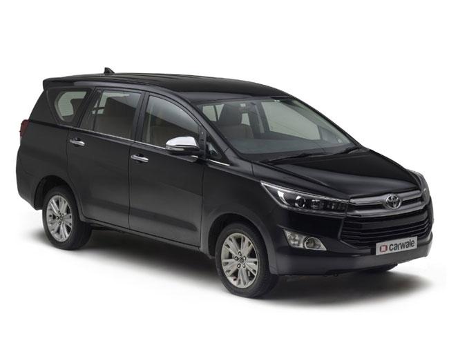 Toyota Kijang Innova Q A/T Gasoline